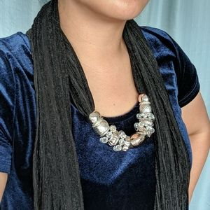 Necklace/Scarf in Black